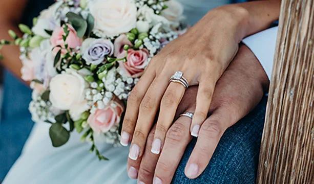 결혼반지끼는손 의미에 대해 잘 기억해 두셨다가 활용해 보세요